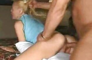 Nella toilette di un caffè, il russo pick-up cazzo in bocca e la figa di una ragazza video porno fratelli dai capelli castani in un reggiseno