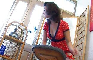Coraggioso vpendyuril con un vicino di video porno di selen casa è in esecuzione