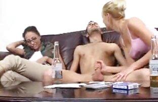 Modesto bruna dopo Cooney fatto un pompino e si video porno gratis donne con animali sedette in una cowgirl