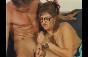 Una bella donna vuole video porno mo un grosso culo su richiesta di suo marito