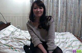 La ragazza, capelli castani bella scattare una foto porno in video porno gratis lesbiche pubblico