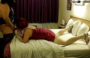 Affascinante hottie video porno preti diteggiatura sua figa rasata