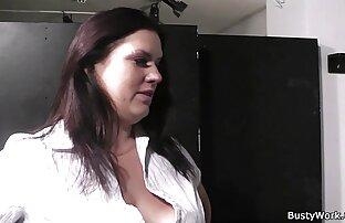 Per incantare un ragazzo, un LATTE. Portare una giovane donna a lui video porno autoreggenti e suggerire FFM