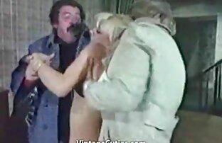 Debitore con enorme latte lavoro via video porno di attrici italiane bucks con lei luxurious corpo