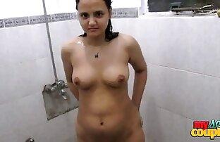Una cameriera matura in calze per lei con un ragazzo video porno justine con piacere